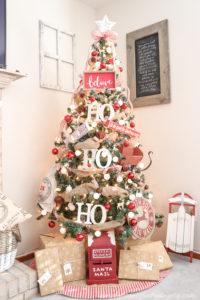 Christmas Tree Blog Hop–Rustic Santa Theme Tree